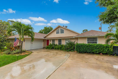 Palm City Single Family Home For Sale: 2000 SW Dovetail Terrace