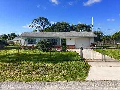 Jensen Beach Single Family Home For Sale: 1104 NE Crown Terrace