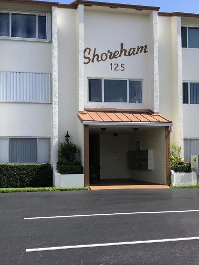 North Palm Beach Condo For Sale: 125 Shore Court #202a