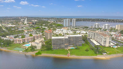 North Palm Beach Condo For Sale: 356 Golfview Road #101