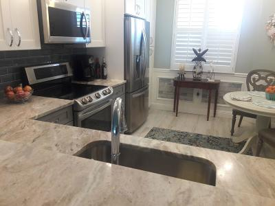 Fort Pierce Condo For Sale: 25 Harbour Isle Drive W #305