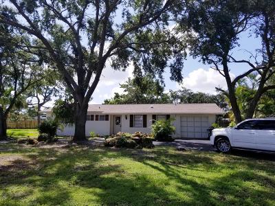 West Palm Beach Single Family Home For Sale: 6090 Aurora Drive