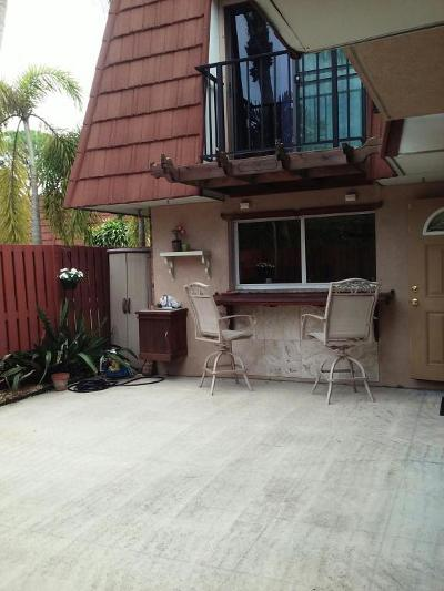 Delray Beach Townhouse For Sale: 1505 Augusta Circle #117