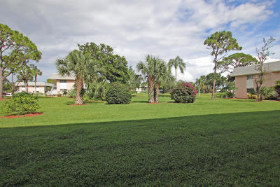 Tequesta Condo For Sale: 18081 SE Country Club Drive #283