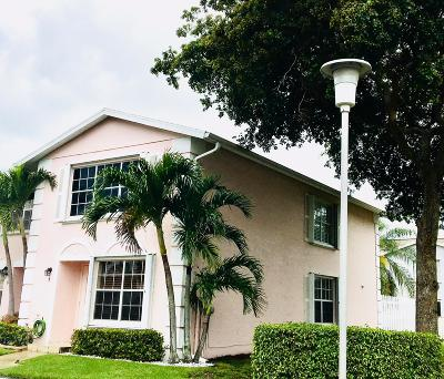 Greenacres Townhouse For Sale: 217 Foxtail Drive #A