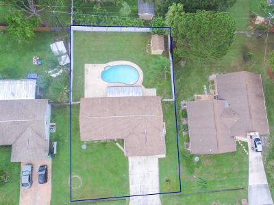 Port Saint Lucie Single Family Home For Sale: 217 SW Eyerly Avenue