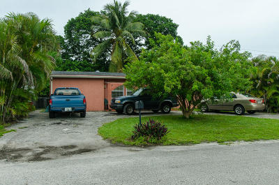 West Palm Beach Single Family Home For Sale: 100 E Browning Drive E