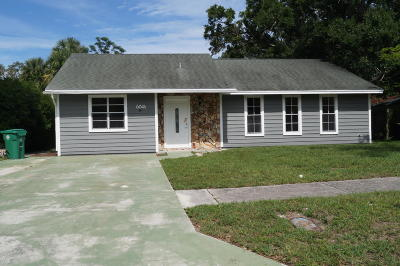Fort Pierce Single Family Home For Sale: 604 1/2 Beach Court