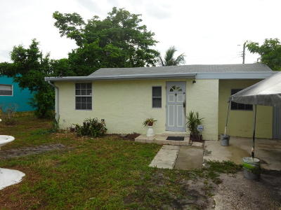 Lake Worth Single Family Home For Sale: 7767 Terrace Road