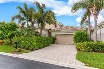 West Palm Beach Single Family Home For Sale: 7501 Blue Heron Way