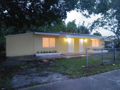 West Palm Beach Multi Family Home For Sale: 2424 Nokomis Avenue