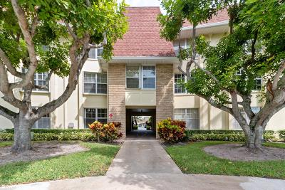 Palm Beach Gardens Condo For Sale: 5520 Tamberlane Circle #110
