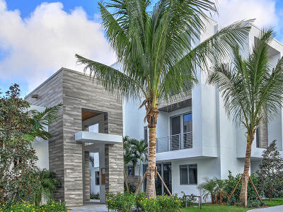 Boca Raton Townhouse For Sale: 4021 NW 17th Avenue