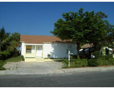 Lake Worth Single Family Home For Sale: 618 S D Street