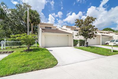 Palm Beach Gardens Townhouse For Sale: 8010 Edgemere Lane