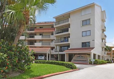 North Palm Beach Condo For Sale: 300 Golfview Road #105