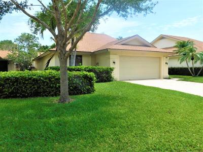 Jupiter Single Family Home For Sale: 207 Saint Charles Court