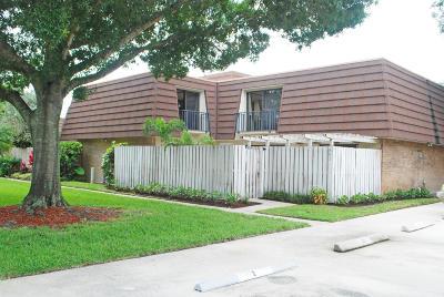 Palm Beach Gardens Townhouse For Sale: 801 8th Lane