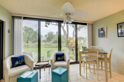 Delray Beach Single Family Home For Sale: 6184 Kings Gate Circle