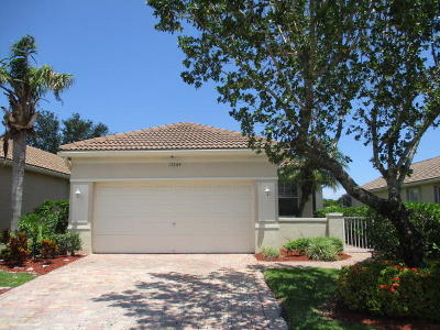 Delray Beach Single Family Home For Sale: 15564 Canabria Lane