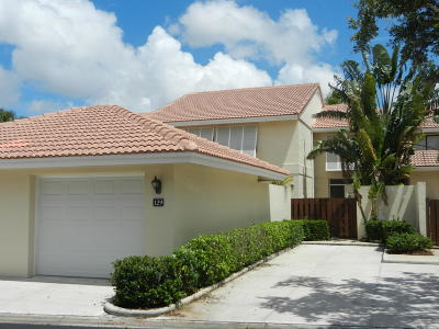 Palm Beach Gardens Townhouse For Sale: 129 Old Meadow Way