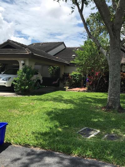Boynton Beach Single Family Home For Sale: 10168 Chestwood Road
