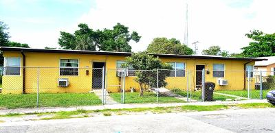 West Palm Beach FL Multi Family Home For Sale: $284,000