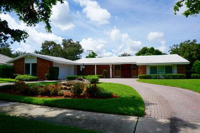North Palm Beach Single Family Home For Sale: 836 Anchorage Drive