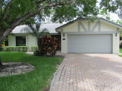 Boca Raton Single Family Home For Sale: 7836 Cloverfield Circle
