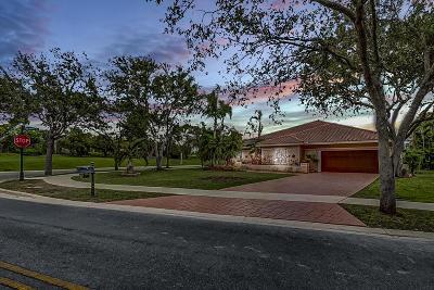 Weston Single Family Home For Sale: 1074 Deerwood Lane