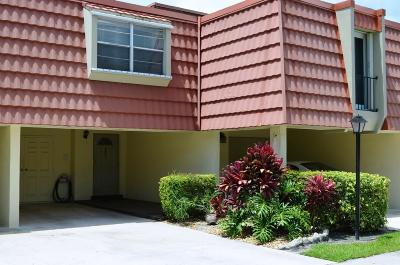 North Palm Beach Townhouse For Sale: 384 Golfview Road #D