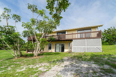 Hobe Sound Single Family Home For Sale: 9506 SE Karin Street