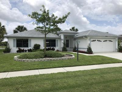 Royal Palm Beach Single Family Home For Sale: 103 Meadow Woode Drive