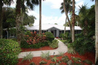 West Palm Beach Single Family Home For Sale: 70 Whispering Oak Trail