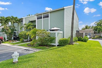 Jupiter Condo Contingent: 706 Stonewood Court #18a