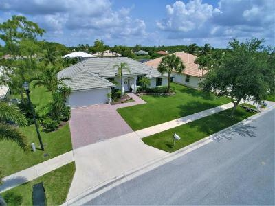 Royal Palm Beach Single Family Home For Sale: 130 Fernwood