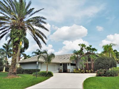 Hobe Sound Single Family Home For Sale: 8884 SE Marina Bay Drive
