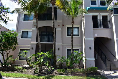Palm Beach Gardens Condo Contingent: 2810 Grande Parkway #104