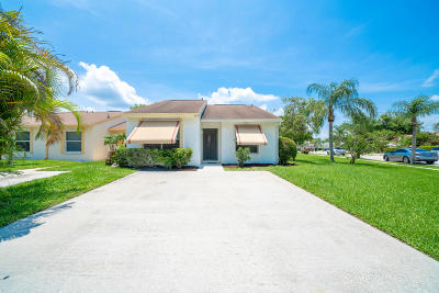 Jupiter Single Family Home For Sale: 215 Palmetto Court