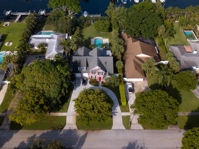 North Palm Beach Single Family Home For Sale: 568 Anchorage Drive