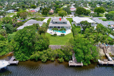 North Palm Beach Single Family Home For Sale: 584 Anchorage Drive