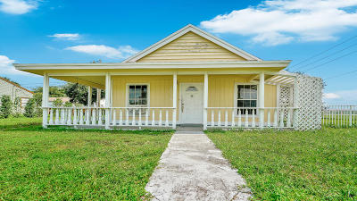 Lake Worth Single Family Home For Sale: 9015 Melody Road