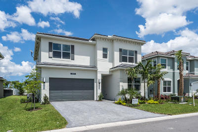 Delray Beach Single Family Home For Sale: 15382 Destiny Drive