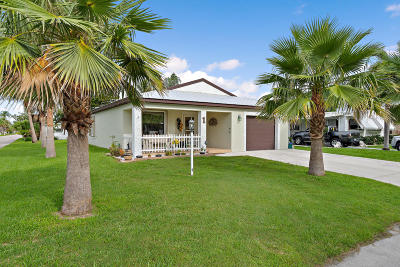 Port Saint Lucie Single Family Home For Sale: 1 Rio Verde Way