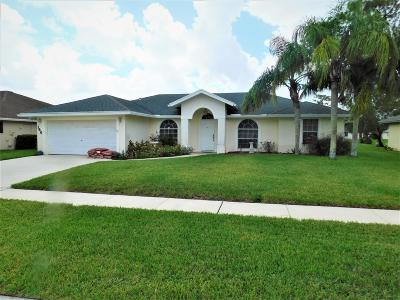 Royal Palm Beach Single Family Home Contingent: 146 Monterey Way