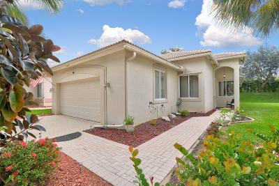 West Palm Beach Single Family Home For Sale: 2668 Clipper Circle