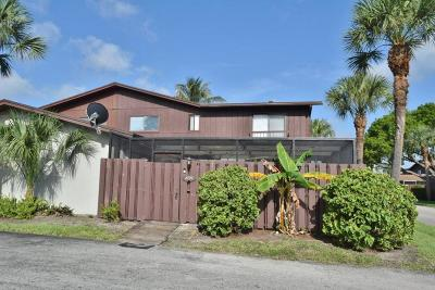 Greenacres Townhouse For Sale: 4727 Holly Lake Drive