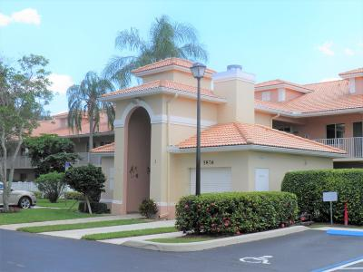 Boynton Beach Condo For Sale: 5876 Regal Glen Drive #207
