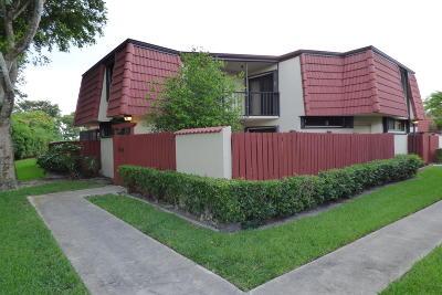 West Palm Beach Townhouse Contingent: 3688 Victoria Drive