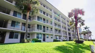 North Palm Beach Condo For Sale: 104 Paradise Harbour Boulevard #509